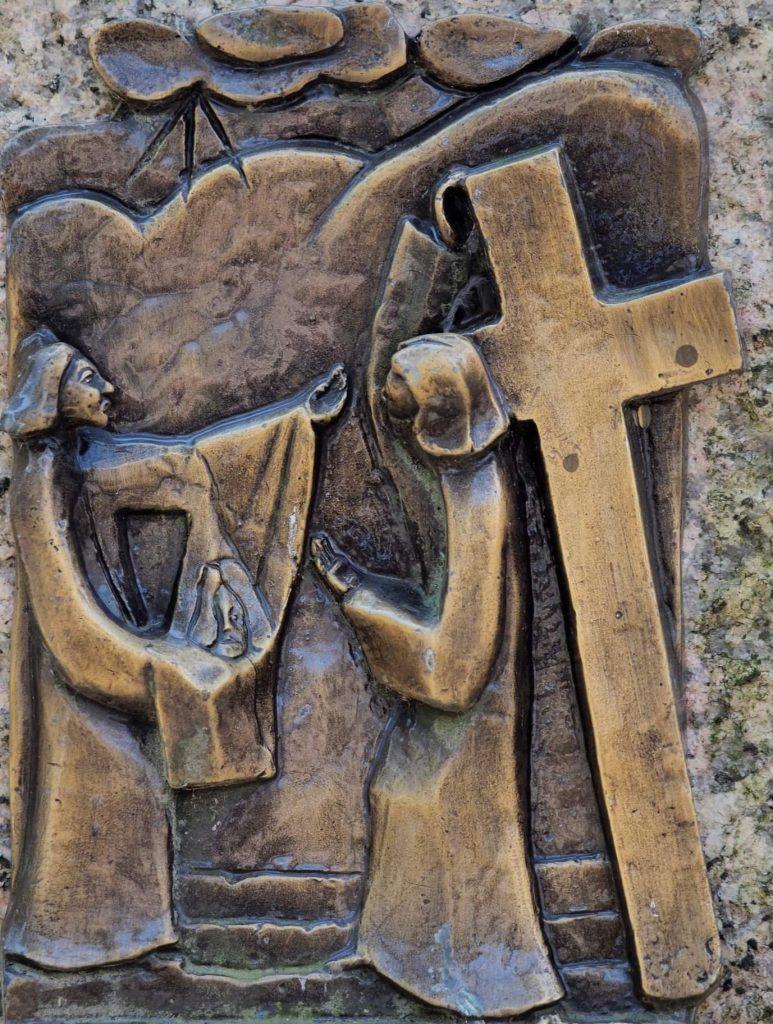 Via Crucis 06: VERONICA ASCIUGA IL VOLTO DI GESÙ