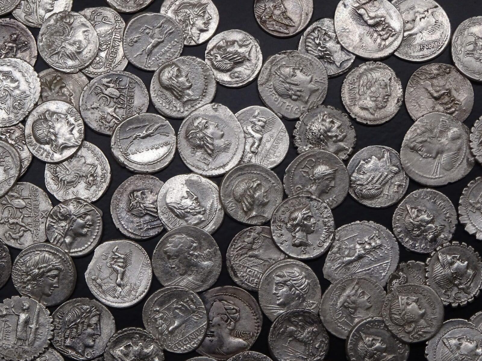 coins-3298260_1920